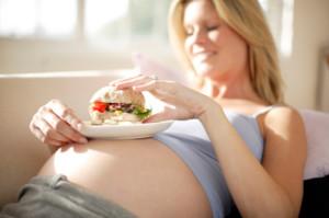 Постоянно хочется есть при беременности: способ решения проблемы