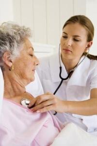 Наряду с медикаментозным лечением применяются и народные методы