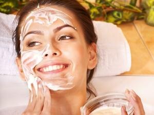 Настойки, тоники, компресы помогут увлажнить кожу в домашних условиях