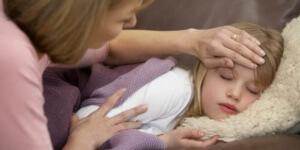 На проявление кашля влияют воспаление придаточных пазух носа и небных миндалин