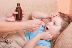Правильным лечением будет не резкая ликвидация кашля, а постепенное его облегчение и доведение до продуктивности