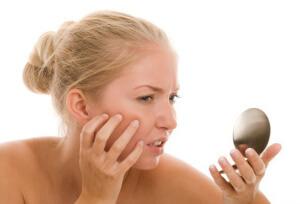 Прыщи на лице могут свидетельствовать о наличии заболевания