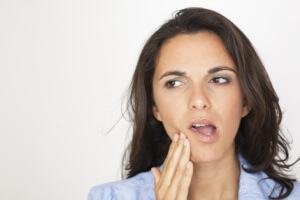 Сводит челюсть иногда из-за нарушения в работе нервной системы