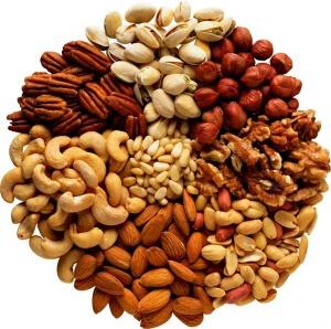 получить необходимое количество белков из растительной пищи значительно сложнее