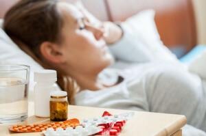 Наиболее распространенное осложнение менингита – заражение крови бактериями