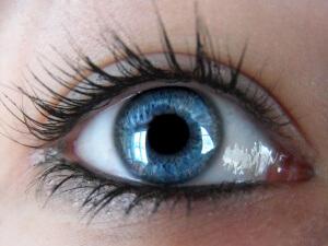 Субатрофия глазного яблока: причины и лечение недуга