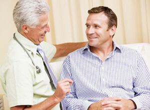 Наросты на головке члена: повод обратиться к венерологу