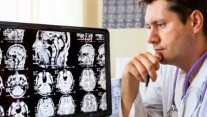 Для лечения применяется медикаментозная терапия и хирургическое вмешательство