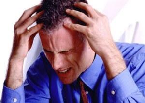 Один из симптомов ишемии - головная боль