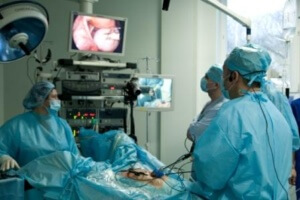 Лапаротомия кисты яичника: особенности операции