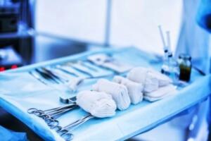 Хирургическое вмешательство - основной метод лечения парапроктита