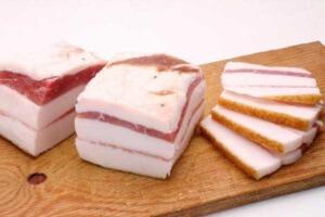 Соленое свиное сало полезный продукт питания