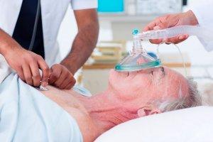 Основной признак улинической смерти - отсутствие рефлексов