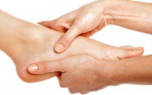 Пяточная шпора - заболевание, при котором дискомфорт и неприятные ощущения при ходьбе