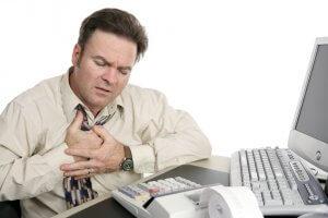 Кашель и одышка - основные симптомы недуга