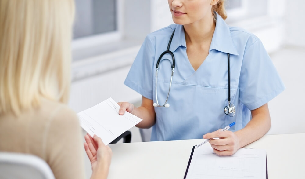 Чем лечить молочницу у женщин: рекомендации гинекологов