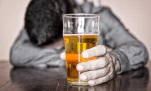 Алкоголи и кофе - вредные продукты для поджелудочной железы
