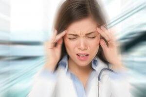 Почему возникают постоянные головокружения: диагностика и способы лечения