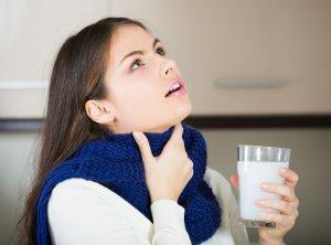 Лучшие народные лекарства для полоскания горла