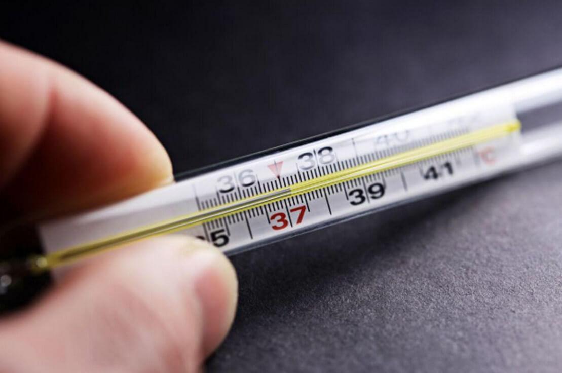 Сколько держится температура после операции: рекомендации врачей